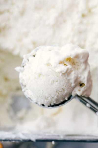El helado Keto se acercó para la foto.