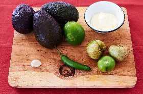 Salsa de Aguacate Con Crema - Salsa de Guacamole - Salsa de Aguacate - Salsa Taquito - Aguacate Salsa Verde