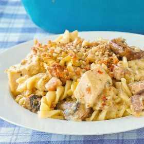 Tetrazzini de Pavo con Aderezo de Parmesano con Almendras