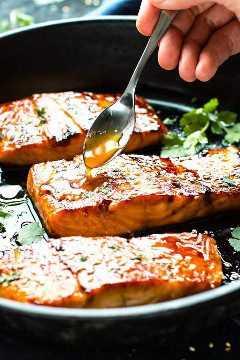 Salmón Glaseado Sriracha De Miel
