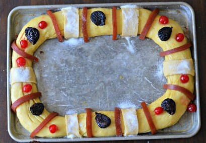 Rosca de Reyes lista para hornear