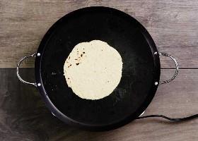 Tortilla De Maíz En Comal 2