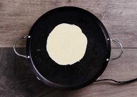 Tortilla De Maíz En Comal 1
