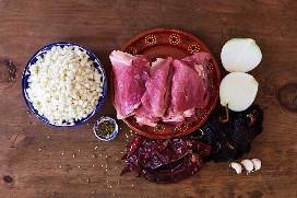Ingredientes para Pozole De Cerdo Rojo