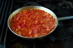 Cocinando Tomates Para La Salsa De Veracruz