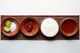 Ingredientes Salsa De Yogur De Cal Y Chipotle