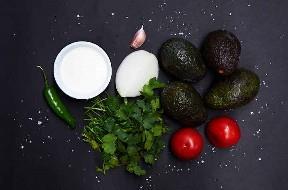 Ingredientes para hacer salsa de guacamole