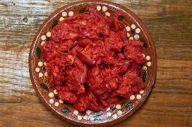 Chorizo estilo Oaxaca con cubierta removida