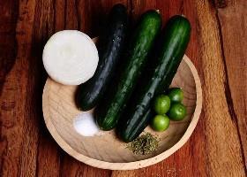 Ingredientes de ensalada de pepino