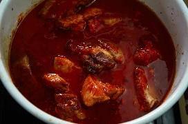 Carne de porco grelhada em molho de Guajillo