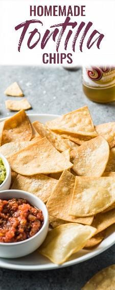 Essas tortilhas caseiras são o aperitivo mexicano perfeito. Eles são crocantes, crocantes e não vão desmoronar e derreter quando mergulhados e comidos em lanches! #tortillachips #appetizer #mexican