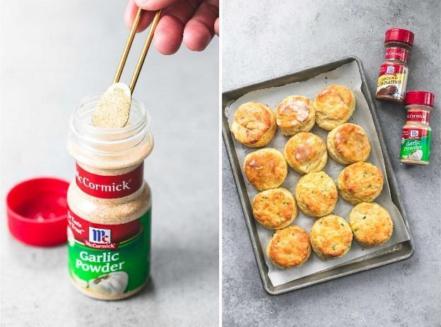 Galletas de suero de leche perfectamente escamosas (dos formas) | lecremedelacrumb.com