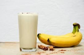 Liquado de banana com baunilha e canela
