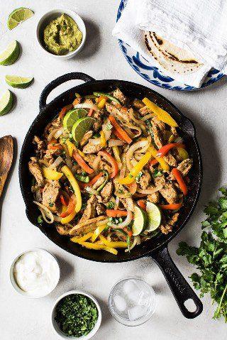 ¿Limitado a tiempo? ¡Prepare estas Fajitas de pollo saludables y fáciles en solo 30 minutos para una cena rápida y deliciosa de México esta noche!