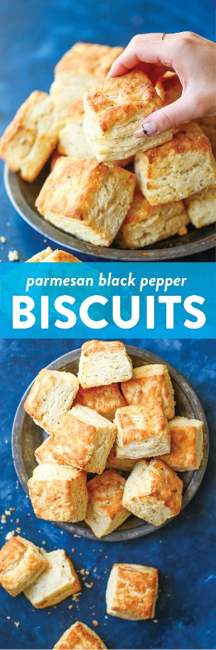 Parmesan Black Pepper Biscuits - ¡Galletas súper escamosas de una milla de altura! El parmesano y la pimienta negra hacen que estos sean tan buenos! Servir caliente para las mejores galletas nunca!