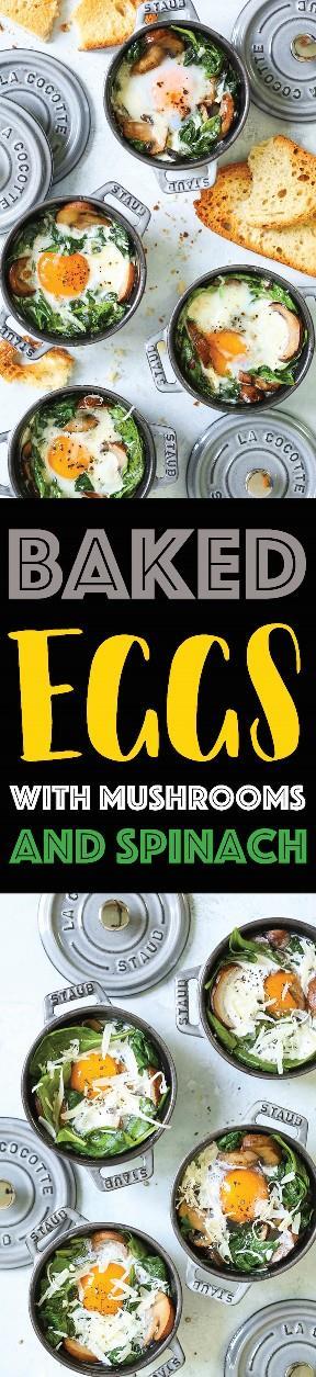Ovos Assados com Cogumelos e Espinafre - Ovos assados fáceis e fáceis com cogumelos refogados com alho e espinafre murcho. Saudável, amigável e rápido! Sirva no café da manhã, almoço ou jantar com bastante torrada com manteiga! Ideal para hóspedes ou porções individuais.