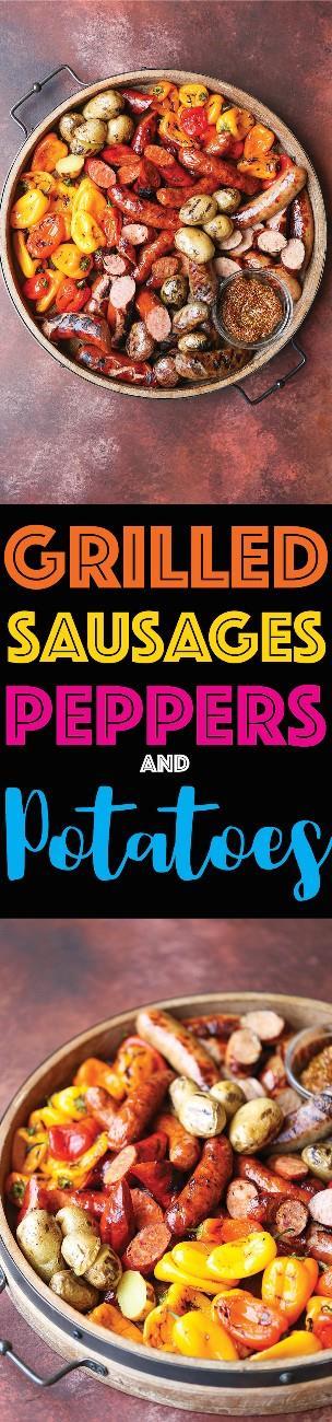 Salsichas, Pimentos e Batatas Grelhadas - A fonte mais incrível de salsichas grelhadas para a sua próxima refeição de churrasco ou churrasco! Isso é fácil de preparar e tão incrível!
