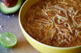 Plato De Sopa De Fideo Mexicana Tradicional