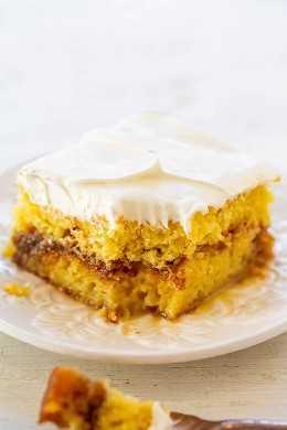 Bolo de sanduíche de pão de mel - tem gosto de pão de mel em forma de bolo! Doce, rico, decadente e me lembra os Pãezinhos de Mel que eu comia quando criança! Rápido e fácil!!