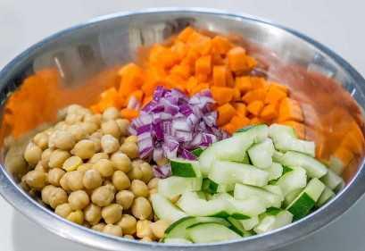 Ingredientes para Ensalada De Garbanzos Y Guisantes