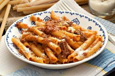 Ziti con Ragout de Carne Napolitana