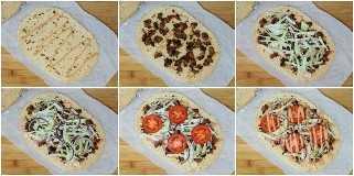 Pizza chimi de pan de molde sencillo de estilo dominicano ~ Inspirada en la popular hamburguesa dominicana Chimi, tradicionalmente servida por vendedores ambulantes en la República Dominicana, esta pizza se hace con pan plano, salchichas, coles, cebollas, tomates y una salsa de mayonesa y ketchup. www.smartlittlecookie.net #pizza #ad #FlatoutLove