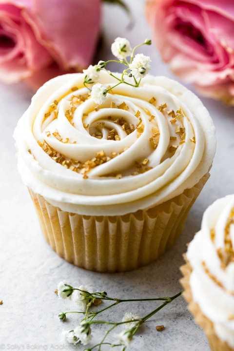 """Cómo hacer un delicioso glaseado de champán en sallysbakingaddiction.com """"width ="""" 600 """"height ="""" 900 """"srcset ="""" https://cdn.sallysbakingaddiction.com/wp-content/uploads/2017/09/vanilla-wedding-cupcakes- champagne-frosting-6.jpg 1200w, https://cdn.sallysbakingaddiction.com/wp-content/uploads/2017/09/vanilla-wedding-cupcakes-champagne-frosting-6-500x750.jpg 500w, https: // cdn.sallysbakingaddiction.com/wp-content/uploads/2017/09/vanilla-wedding-cupcakes-champagne-frosting-6-600x900.jpg 600w """"tamaños ="""" (ancho máximo: 600px) 100vw, 600px"""