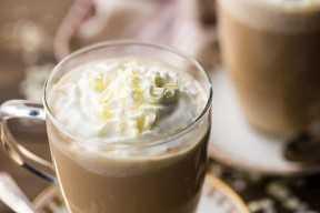 Fraolluccino De Moca De Chocolate Blanco De Starbucks