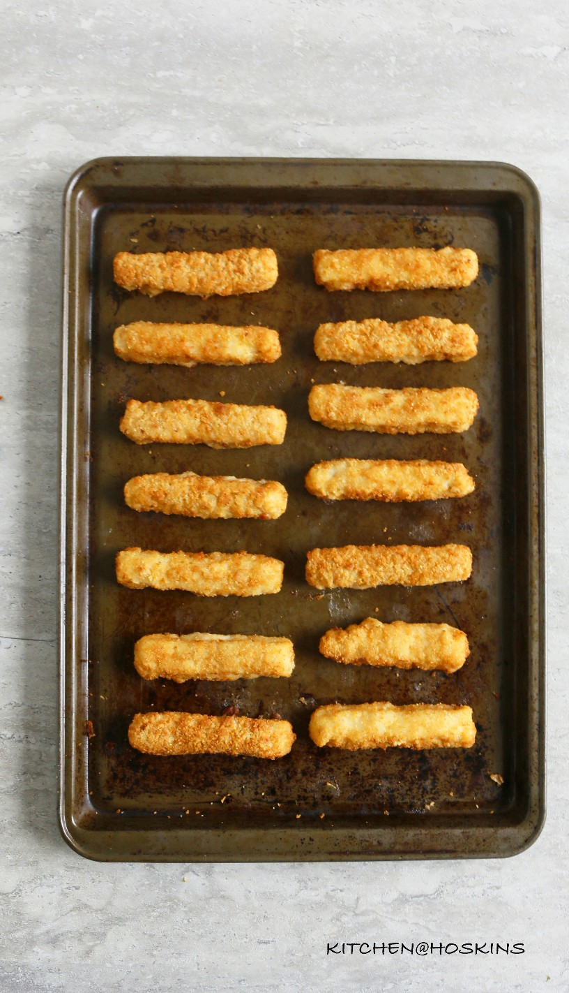 Tacos de pescado fáciles con palitos de pescado congelados.