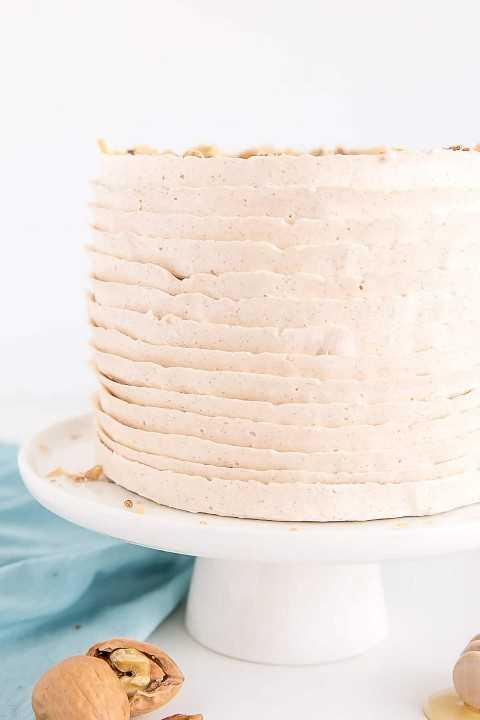 Feche acima da técnica de geada em um bolo de baklava.