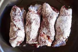 Rollos de carne molida freír panes