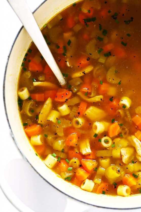 Receita de sopa de macarrão de galinha Pepperoncini