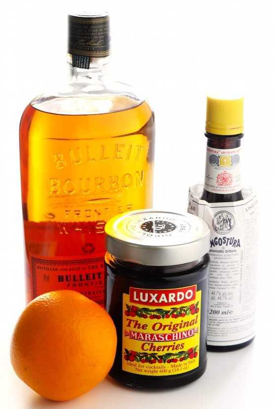 Ingredientes de bebida de cóctel de arce a la antigua
