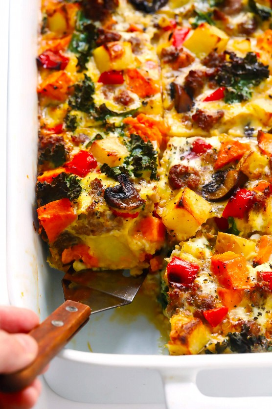Acogedora receta de cazuela de desayuno de otoño con patata dulce