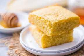 Receta de pan de maíz esponjoso ligero