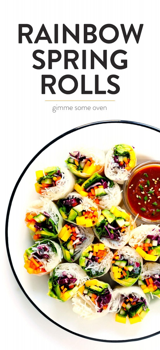 Rollitos de primavera arco iris con salsa de maní