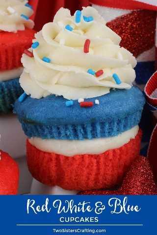 Magdalenas rojas y azules rojas: traiga un poco de espíritu patriótico a su fiesta del 4 de julio o a la Barbacoa del Día de los Caídos con estos postres únicos y deliciosos el 4 de julio en dos tonos. Estas deliciosas golosinas del 4 de julio presentan nuestro mejor helado de crema de mantequilla con pastelitos en colores patrióticos. Pinque estos Cupcakes del 4 de julio para más tarde y síganos para obtener más ideas geniales sobre la comida del 4 de julio. # 4thofJuly #fourthofjuly # 4thofJulyTreats # 4thofJulyCupcakes #TwoSistersCrafting