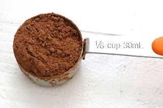 Cacao en polvo para el mejor frosting de crema de mantequilla de moca