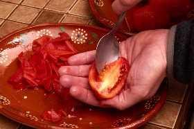 Eliminando Semillas De Tomates