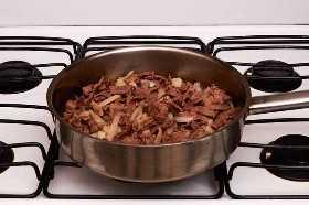 Carne y cebollas