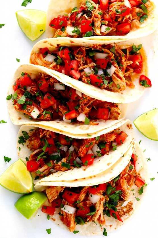 Tacos De Pollo Picado Mexicano Con Pico De Gallo