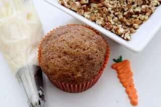 Frosting the Cupcake de pastel de zanahoria