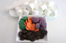 Ingredientes para Halloween Marshmallow Pops