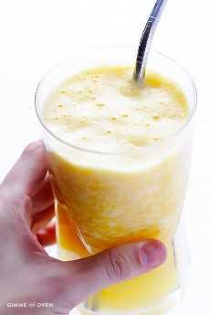 Copycat Orange Julius Recipe - un batido de naranja fresco, rápido, fácil y delicioso   gimmesomeoven.com