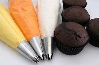 Ingredientes para Candy Corn Swirl Cupcakes