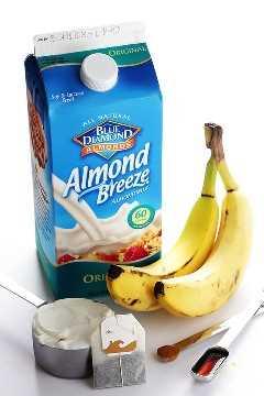 Batido de Banana Chai - rápido y fácil de hacer, lleno de proteínas y ¡maravillosamente delicioso! | gimmesomeoven.com