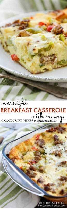 ¡Esta cazuela para el desayuno durante la noche con salchichas, pimientos, condimentos italianos y queso es la idea perfecta para preparar el desayuno! Fácil de hacer y delicioso!