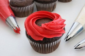 Cómo hacer cupcakes de remolinos patrióticos