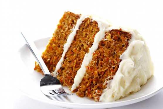 pastel de zanahoria con queso crema batido
