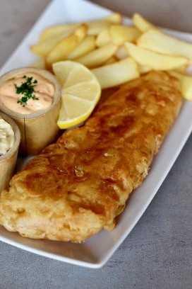 Pescado y patatas fritas inglesas